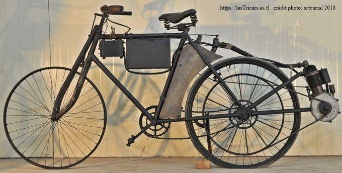 motobicyclette Pernoo, côté gauche. Photo moderne