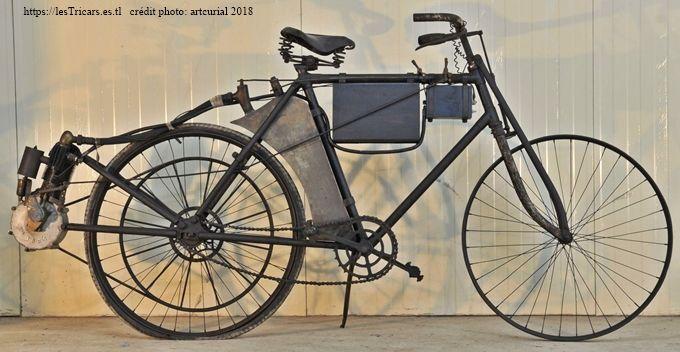 motobicyclette Pernoo, côté droite. Photo moderne