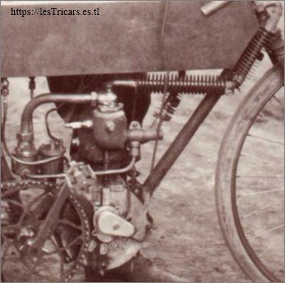 Détail du moteur G. Doué, photo 1902