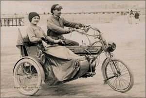 "moto Thunn ""La Préférée"""