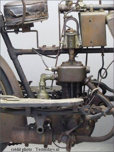 le moteur du tricar Griffon, photo moderne