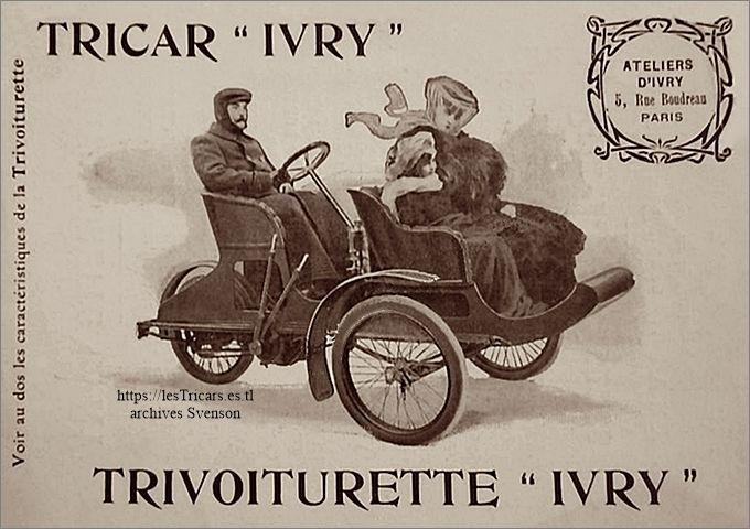 La tri-voiturette Ivry, photo avec conducteur et deux passagères