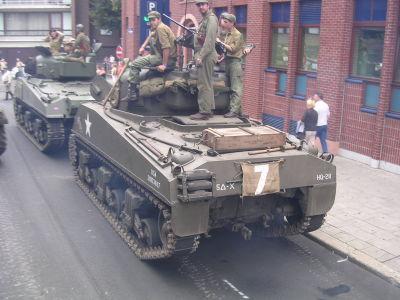 2X Sherman M4