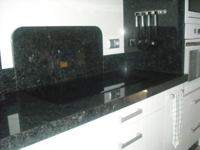 M rmoles rodr guez carvajal encimeras de cocina y ba o for Marmol color negro brasil