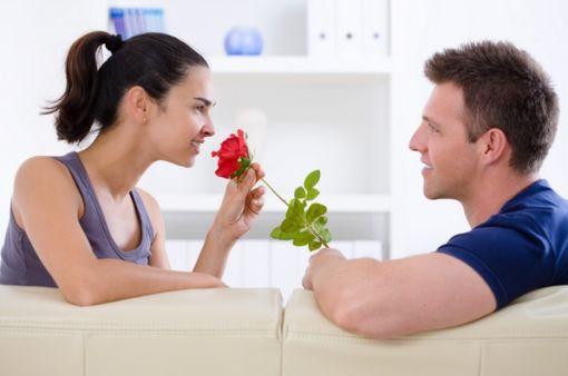 Evlilikte eşler birbirlerine nasıl davranmalı neler yapmalı ?
