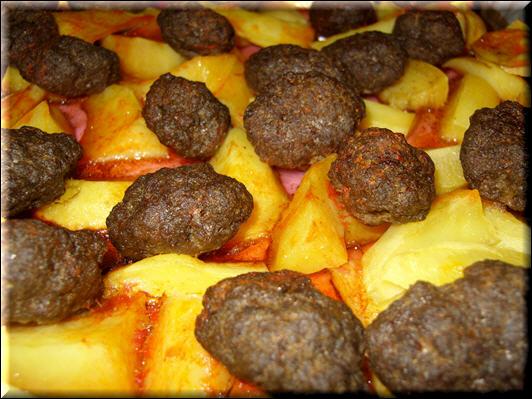 köfteler Lezzetli yemek tarifi en güzel yemekler ne pişirsem bugün kolay yemek tarifleri bedava yemek tarifi