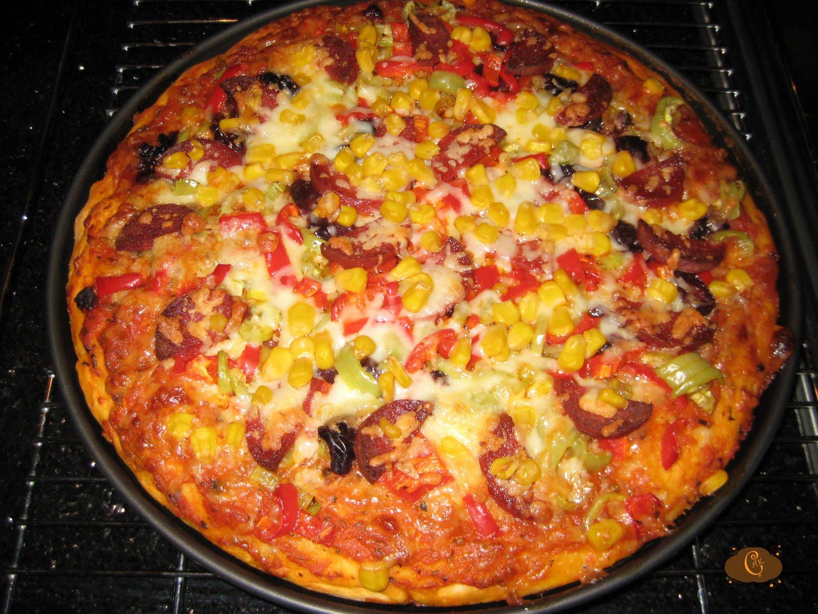 Kolay pizza tarifi pratik resimli