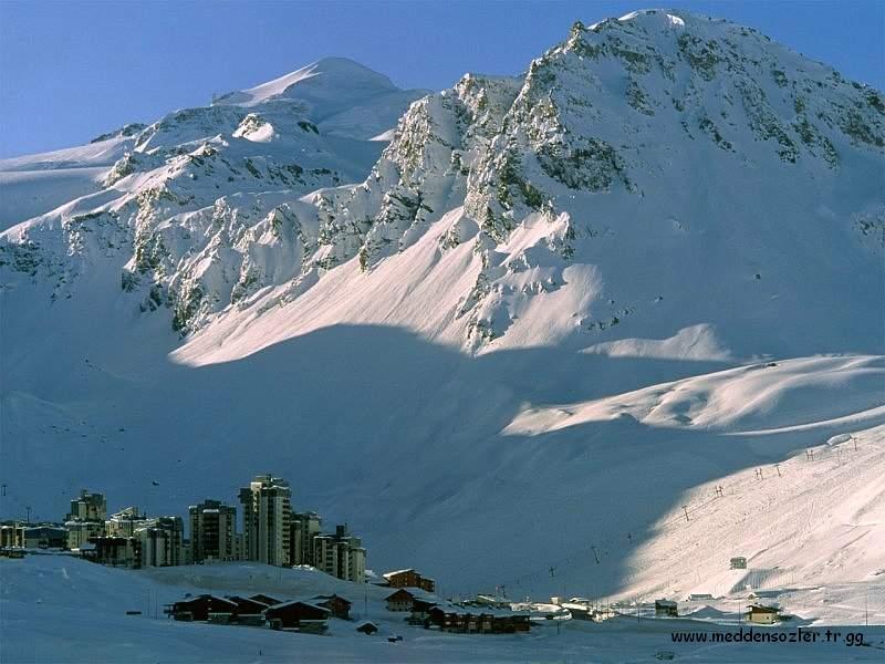 büyük karlı dağ