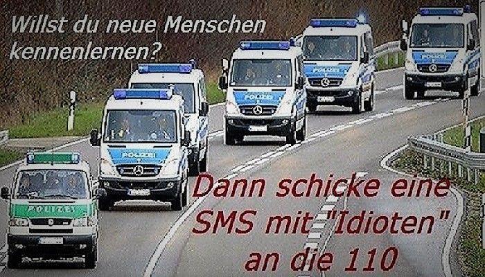 Polizeifahrzeuge in Aktion