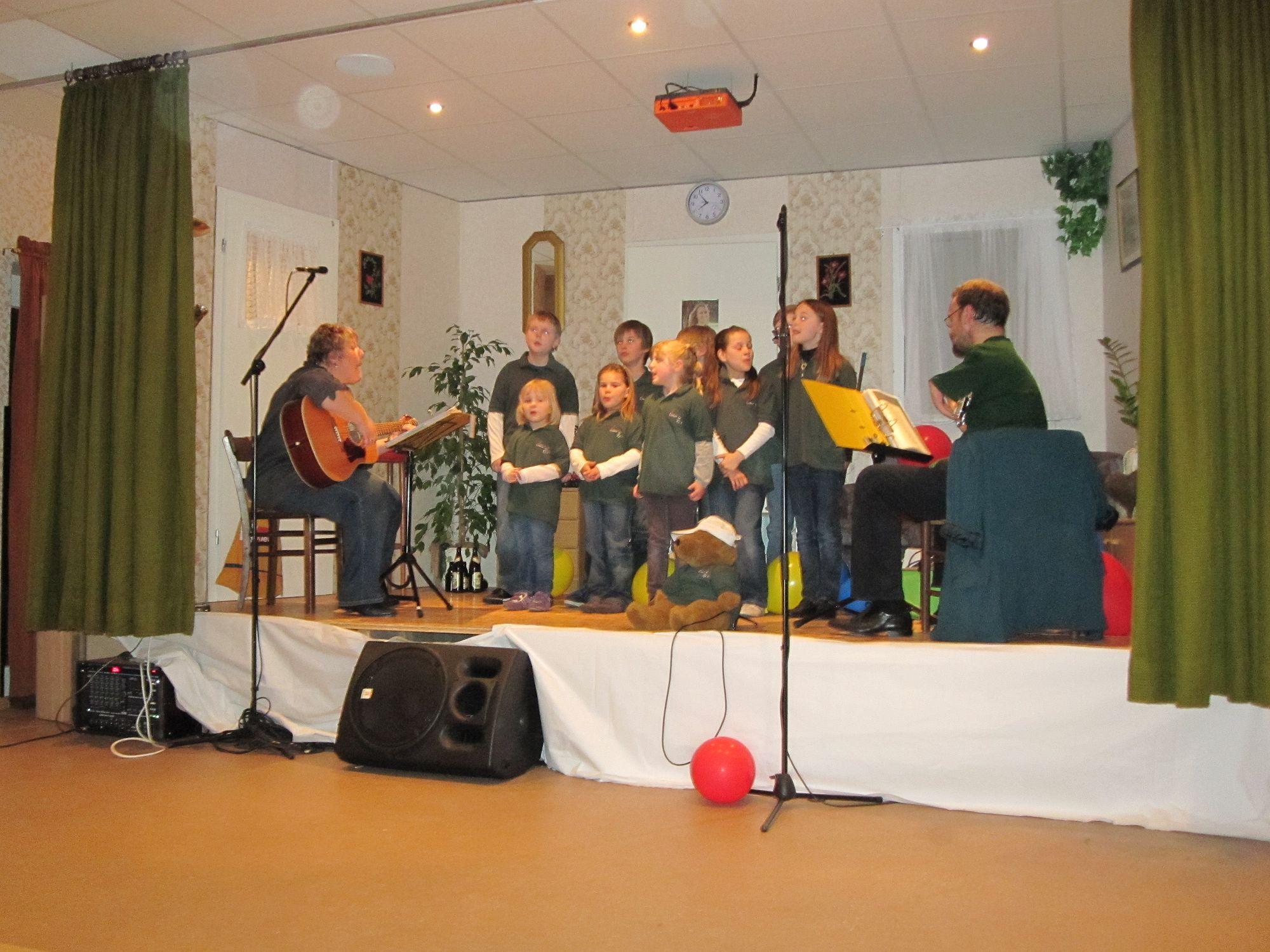 Auftritt zum Seniorennachmittag der AWO Nortorf im Markushaus am 15 April 2011