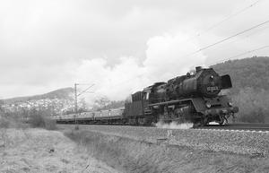 50 3552 mit einem Schotterzug aus Dillenburg nach Wetzlar am 02.04.2008 bei Dillenburg-Niederscheld