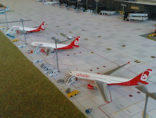 https://img.webme.com/pic/m/michelstadt-airport/3-ab-a332.jpg