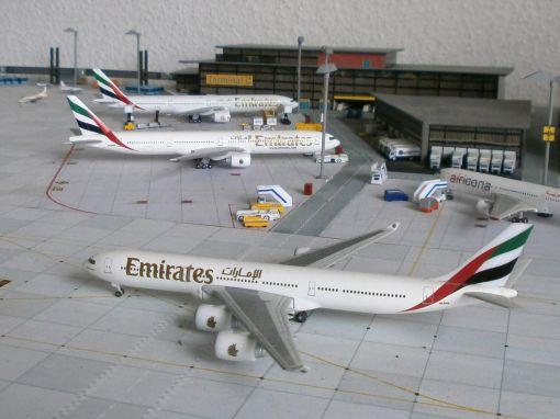 https://img.webme.com/pic/m/michelstadt-airport/emirates-flotte.jpg