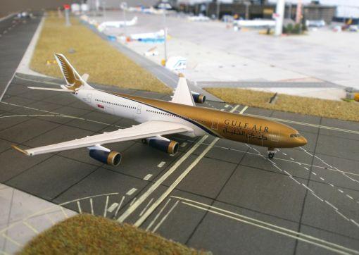 https://img.webme.com/pic/m/michelstadt-airport/gulfair-a343.jpg