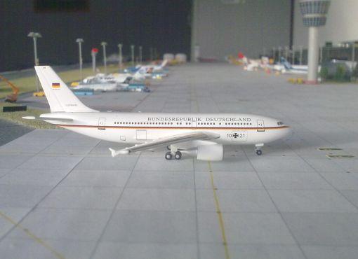 https://img.webme.com/pic/m/michelstadt-airport/luftwaffe-a310.jpg