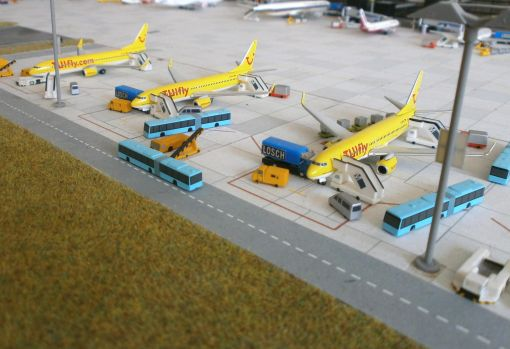 https://img.webme.com/pic/m/michelstadt-airport/tuifly-3x.jpg