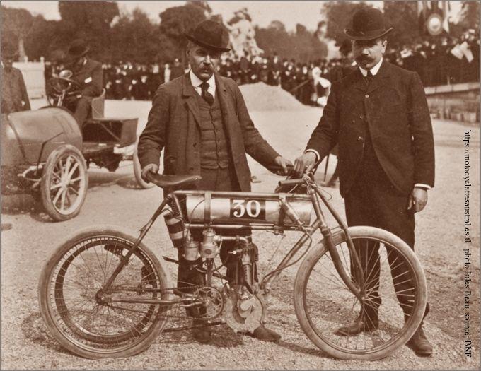 motocyclette Échard au départ de la course Paris-Madrid 1903