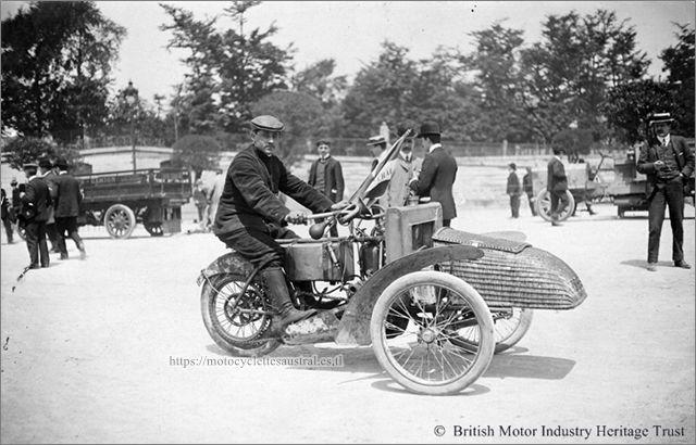 Giraud sur tricar Austral, Paris-Tourcoing 1906