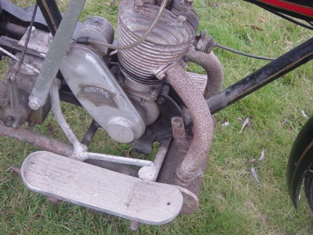 Austral moto type Standard 1927, détail du moteur avec plaque du fabricant