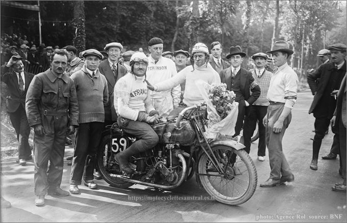 Chéret sur moto La Française avec sidecar, 1928, vainqueur de sa classe au Bol d'or