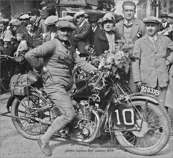 1928, Etienne Cheret  sur Austral 250 cm3, vainqueur Paris-Les Pyrénées-Paris