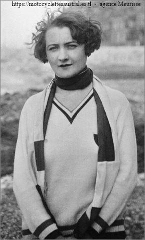 Aimée Pfanner qui a traversé la Manche sur hydrocycle en 1929