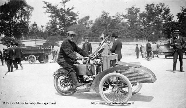 tri-car Austral. pilote Etienne Giraud. 1906