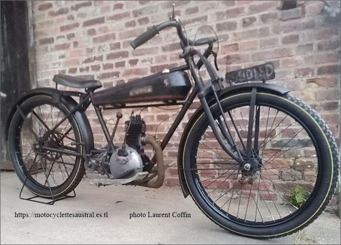 moto Austral type B25 ou GT 26 Laurent Coffin