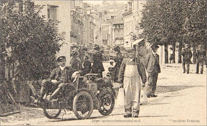 Austral tricar B 2e série à l'entrée de la ville de Gaillon