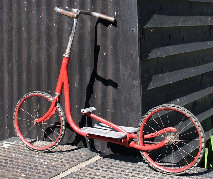 Trottinette mécanique Citroën, brevetée par Cycles Austral en 1928