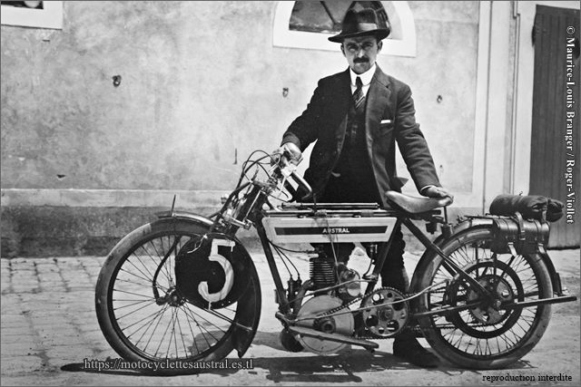 Joseph Bernadou-Dacier avec une moto de course à Fontainebleau le 28 juin 1914