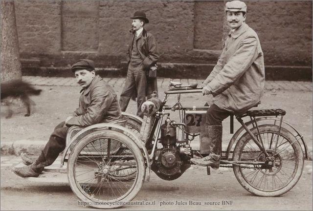 Edouard Cheilus sur tricar Austral en 1905