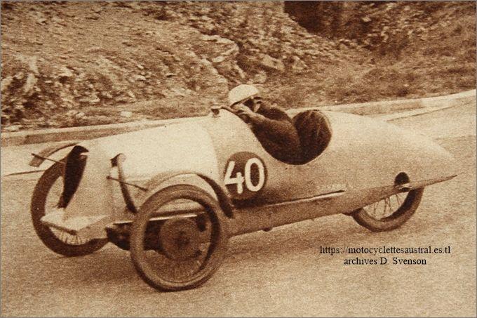 septembre 1931 à Montlhéry, Etienne Chéret dans le Sphinx-Staub cyclecar