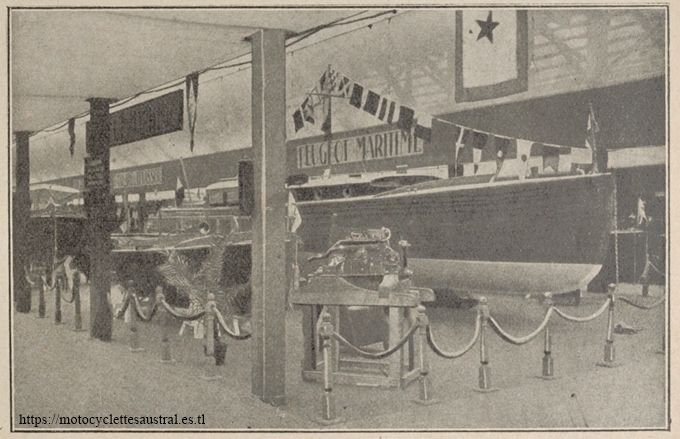 Salon nautique 1926 à Paris. Le stand Peugeot Maritime