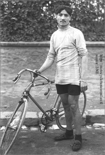 Etienne Cheret avec vélo de course 1913