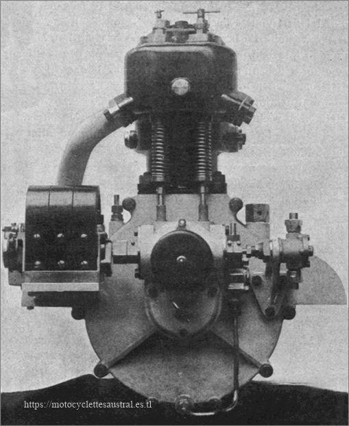 Aster, moteur 9CV pour voiturettes, photo