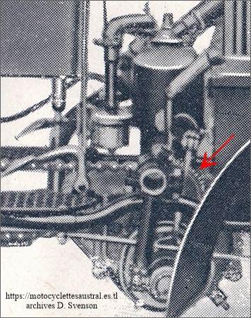 Le pignon démultiplicateur sur le moteur Austral du tricar type H série 1