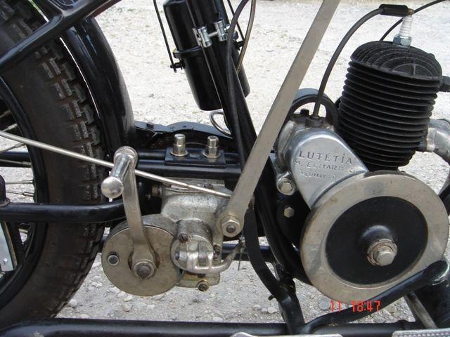 Austral motocyclette type PC 1927, détail du moteur Lutétia