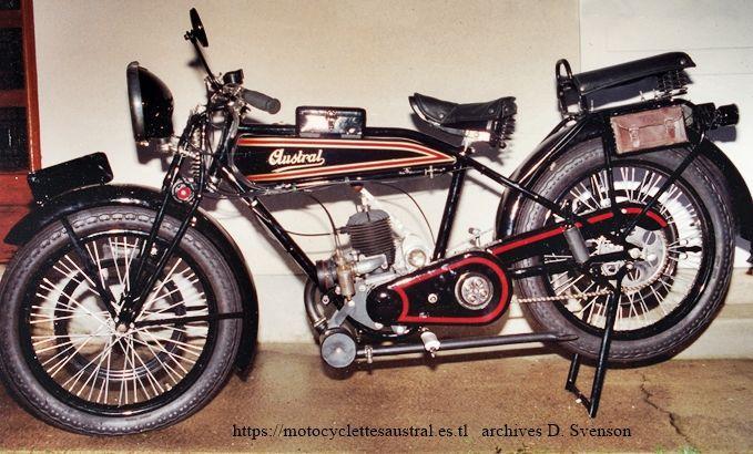 moto Austral à moteur Lutétia 2t, 250 ccm. Photo 1994