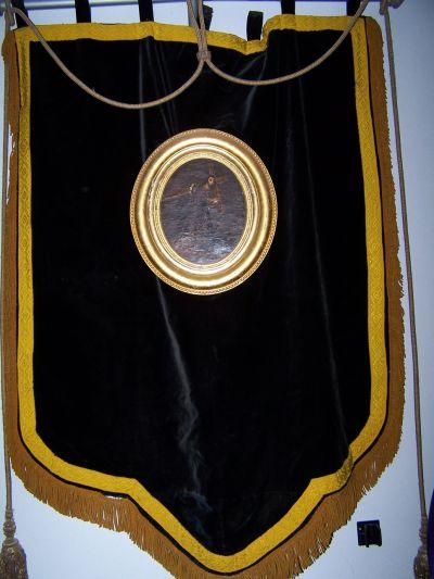 Antiguo Estandarte con pequeño lienzo con la Imagen del Nazareno pintado al óleo.  Existente ya en 1848