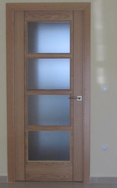Newproex edificio roma for Puertas en aluminio para interiores