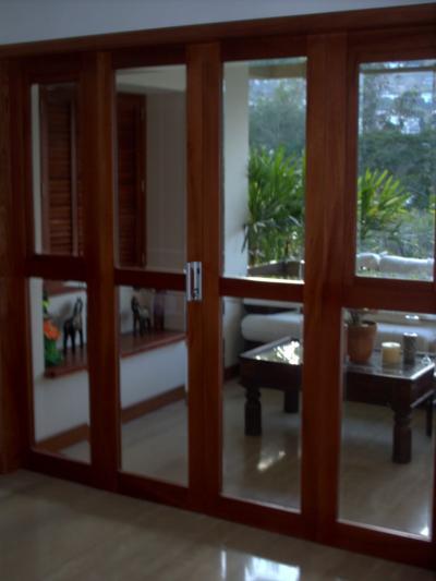 Nicktop puertas for Puerta corrediza de madera