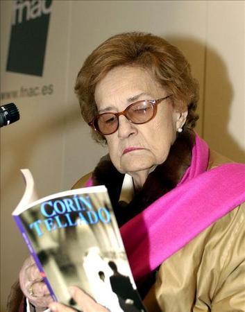 Corín Tellado, reina de la novela romántica en español