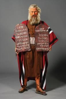 Charlton Heston, con su imagen del filme Los 10 mandamientos, valorada en unos 4.000 euros