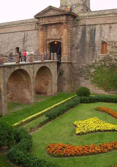 El Museo Militar del castillo de Montjuïc cerrará definitivamente sus puertas el domingo 24 de mayo