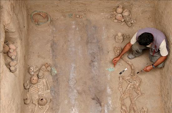 La tumba de un joven de entre 16 y 18 años de edad, acompañado de un valioso ajuar, fue descubierta en el santuario peruano de Machu Pichu