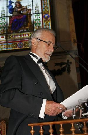 """El escritor José María Merino durante su discurso """"Ficción de verdad"""" en el acto de su ingreso en la Real Academia Española que se celebró ayer en Madrid"""