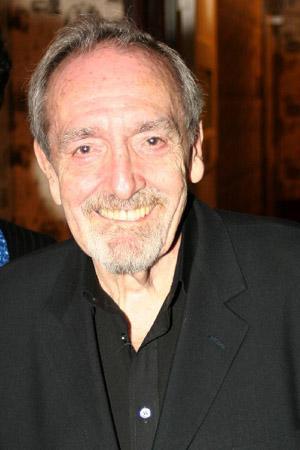Clive Barnes decano de la crítica de danza y ballet del mundo anglosajón