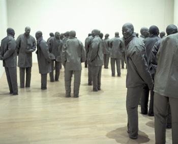 Figuras escultóricas de Juan Muñoz