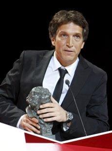 El director Albert Solé recibiendo el Goya a la Mejor Película Documental, por Bucarest, la Memoria Perdida